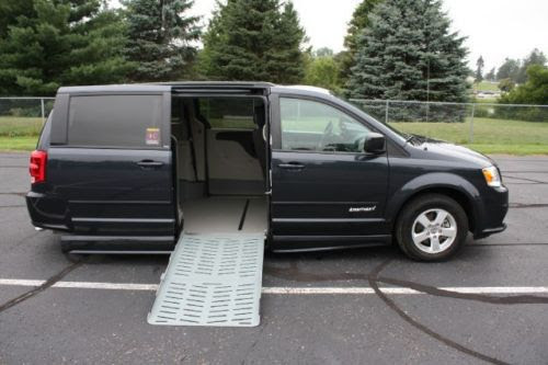 Purchase Used 13 Grand Caravan Handicap Accessilble