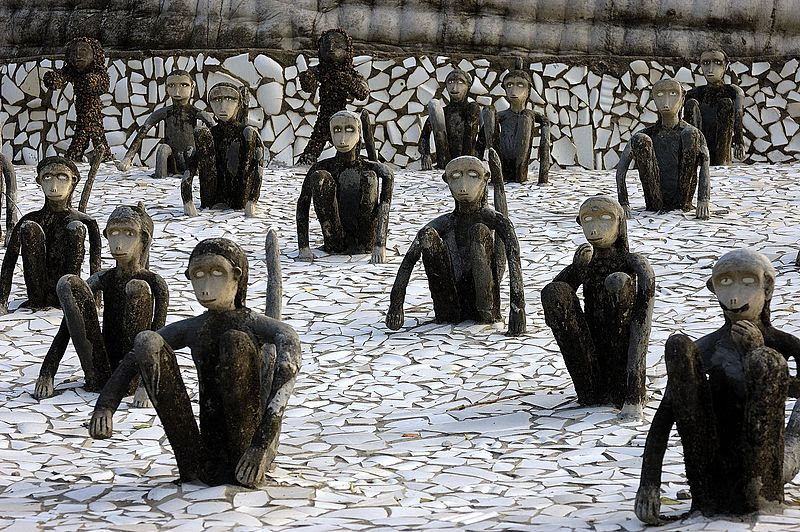 nek chand, rock garden monkeys