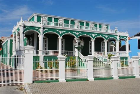 The Wedding Cake House   Picture of Irie Tours, Willemstad