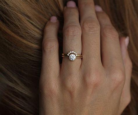 Best 25  Curved wedding band ideas on Pinterest   Wedding