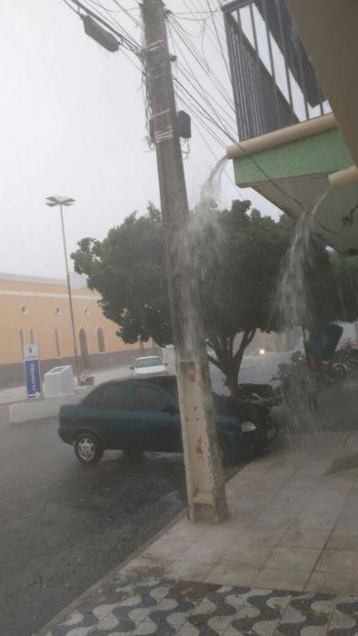 Chuva-em-Florânia-576x1024