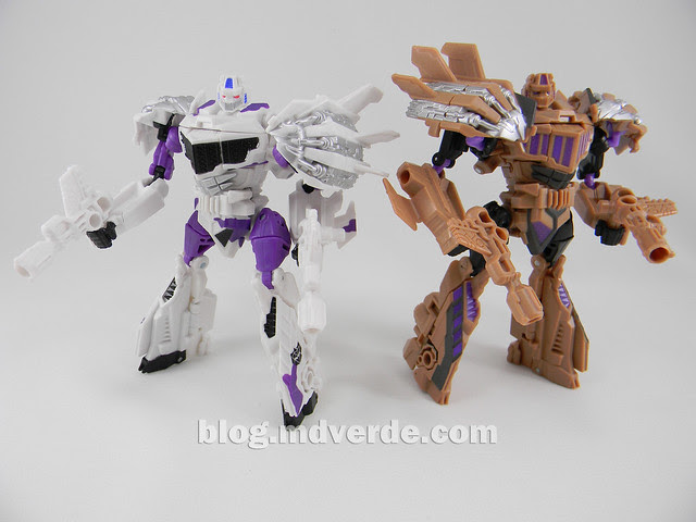 Transformers Blast Off Deluxe - G2 Fall of Cybertron - modo robot vs SDCC