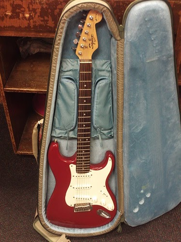 guitars squier bullet stratocaster by fender review