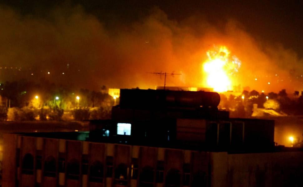Míssil atinge prédios do governo iraquiano, no terceiro dia dos ataques das forças britânicas e americanas