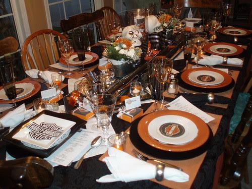 Dining delight harley davidson tablescape for Decoration maison harley davidson