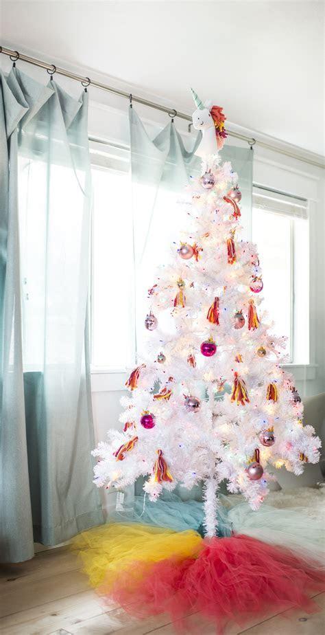 Unicorn Christmas Tree ? A Subtle Revelry