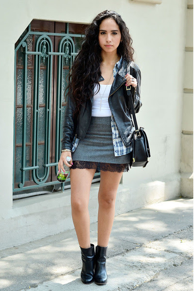 gray lace PERSUNMALL skirt - black leather Zara boots