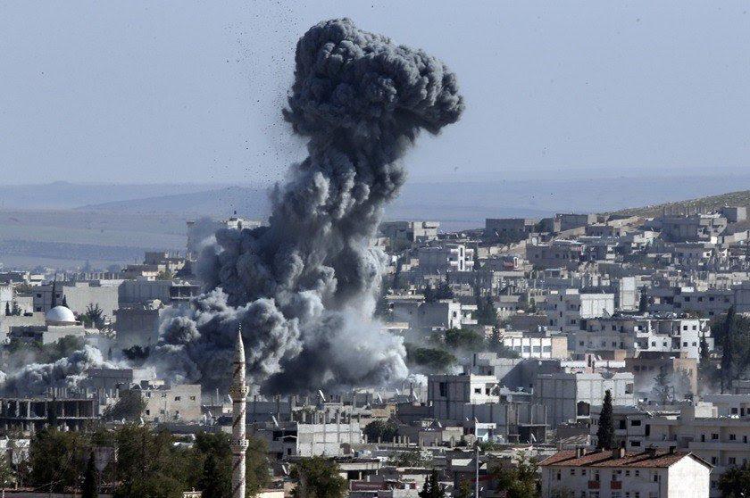 Resultado de imagem para mesquita bombardeada siria