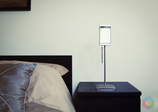 lightstand 600x426 Wofür das Samsung Galaxy Note eigentlich gebaut wurde ...