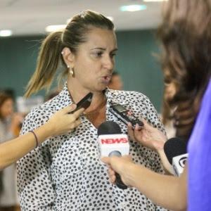Valéria Oliveira, mulher do ex-comandante do 7º BPM (São Gonçalo) Cláudio Oliveira