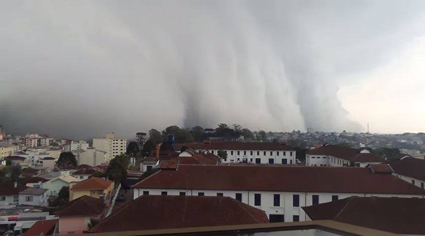 storm video, storm, storm cloud video, storm clouds video, storm clouds photo brazil, terrifying clouds engulf city in Brazil, terrifying clouds caxias do sul, caxias do sul storm, caxias do sul clouds video