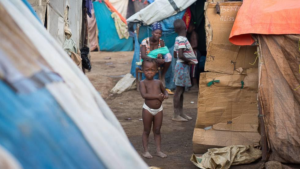 Un niño en Parc Cadeau I, uno de los campos de desplazados de haitianos en República Dominicana.