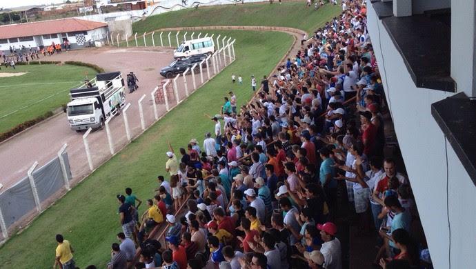 Estádio Gigante do Norte em Sinop torcida (Foto: Débora Lobo/TVCA)