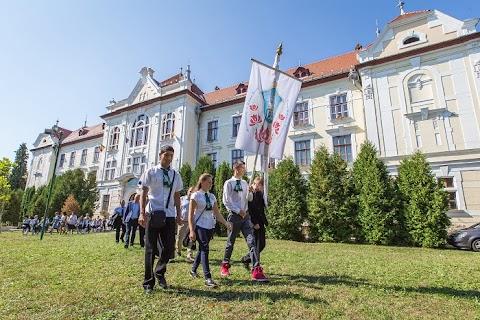 Újabb magyarellenes lépés Romániában – Marosvásárhely polgármestere a római katolikus iskola visszaállamosítását kezdeményezi