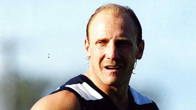 Gary Ablett Sr during his playing days for Geelong.