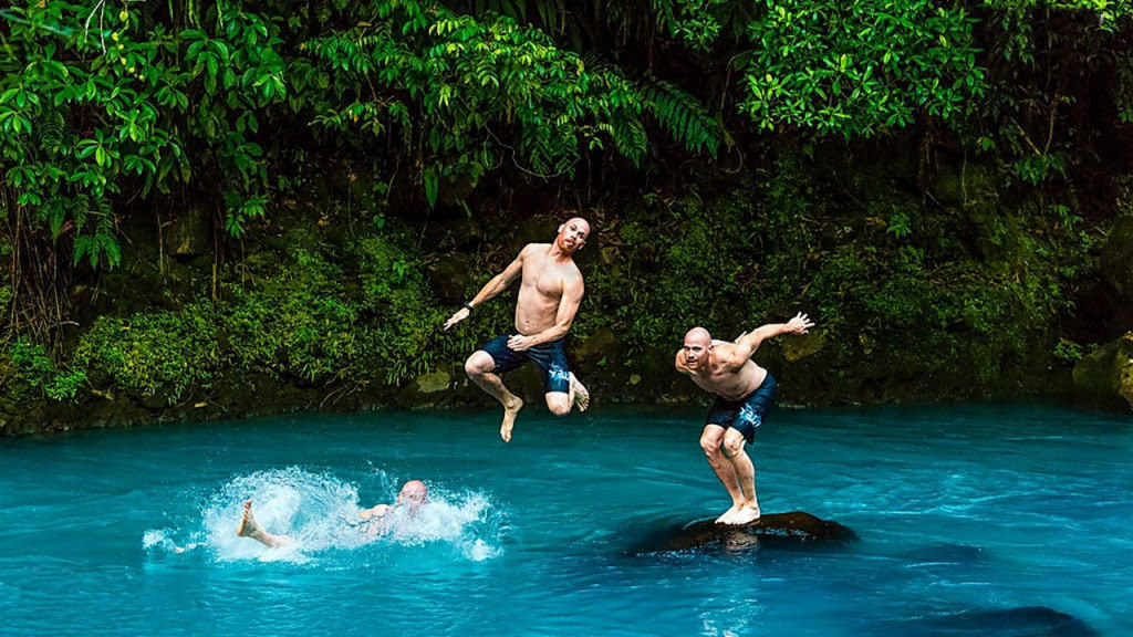 O Rio Celeste da Costa Rica, uma ilusão óptica natural