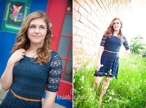 Kristin and Lindsey   Kansas City Senior Photography