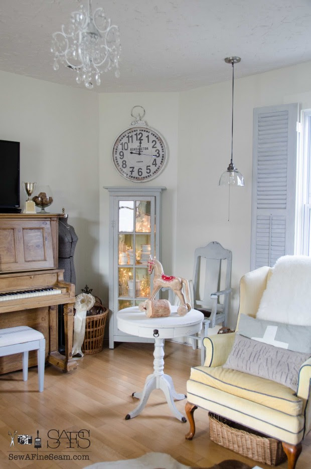 winter living room 2015-Sew A Fine Seam-How I Found My Style Sundays- From My Front Porch To Yours