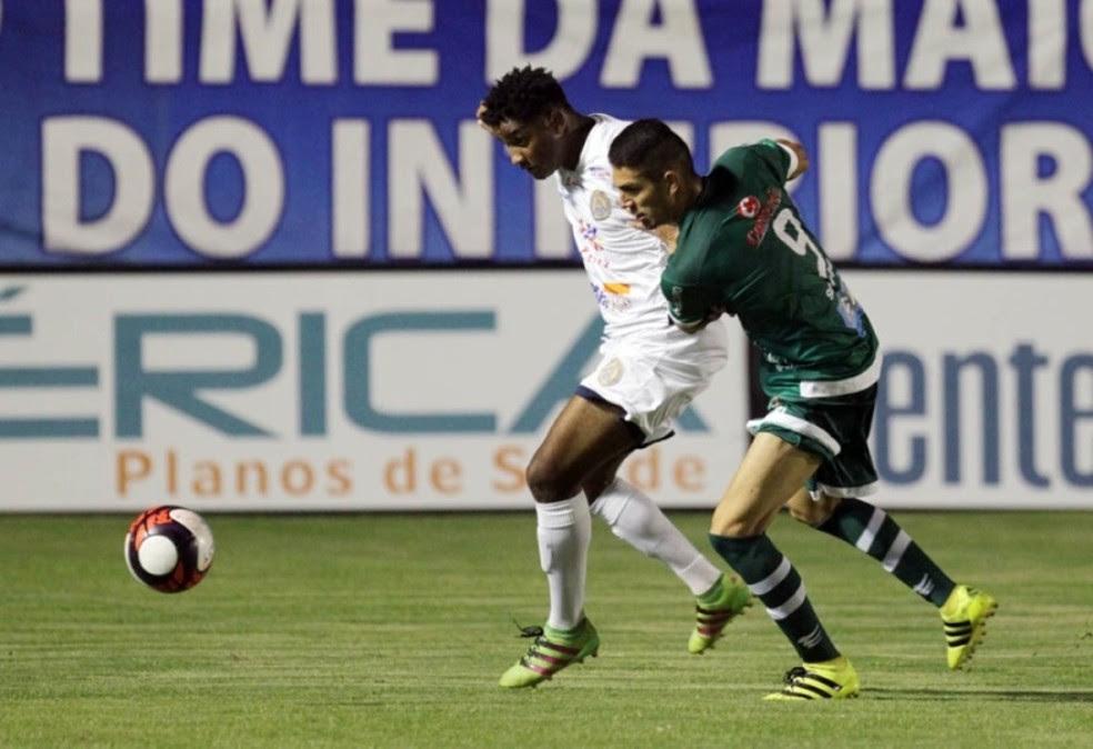 André Luis marcou cinco gols em oito jogos pelo Rio Verde (Foto: Cláudio Reis / O Popular)
