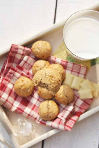 DSC_0538Rice, millet and white chocolate cookies