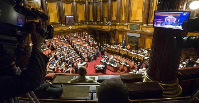 """Riforme, diretta Senato. Governo battuto su temi etici. Pd: """"Tornano i 101 di Prodi"""""""