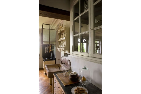 The suite of furniture in the kitchen