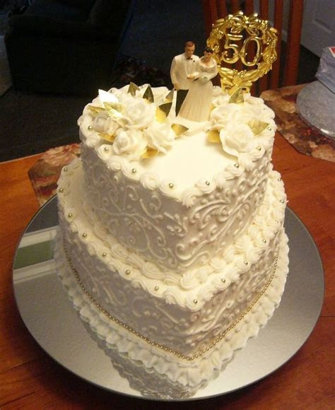 Best 25  Wedding anniversary cakes ideas on Pinterest