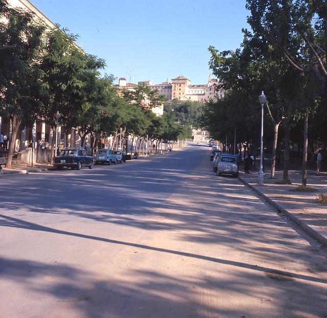 Avenida de la Reconquista en 1967. Fotografía de John Fyfe