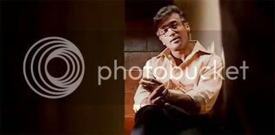 http://img.photobucket.com/albums/v252/BollyNuts/Vaaranam%20Aayiram/52.jpg