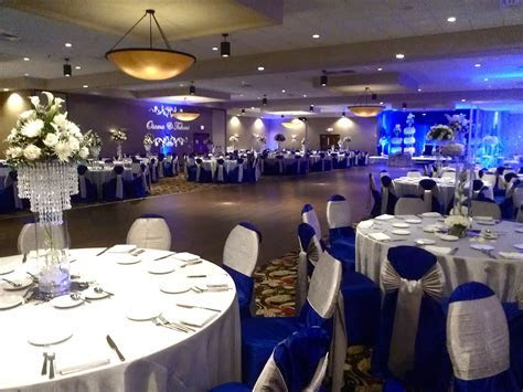 Reception at the Crowne Plaza Milwaukee Airport   Married