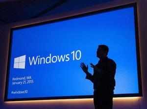 Experts' take on Windows 10 as it nears one month