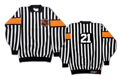 1994-95 NHL referee  uniform photo 1994-95NHLrefereeuniform.jpg