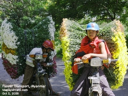 Pyin Oo Lwin flower delivery boys going to roadside vendors