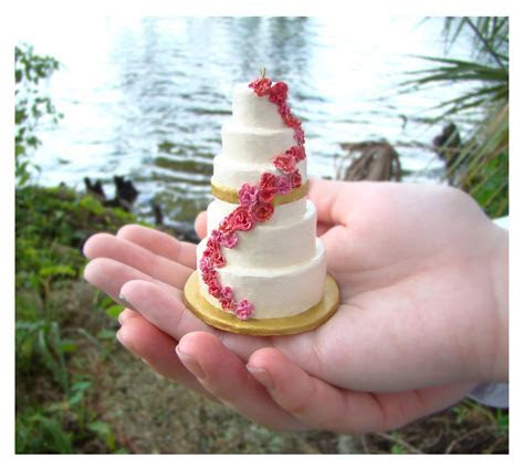 Miniature Wedding Cake Replica Ornament   Fantabulously Frugal