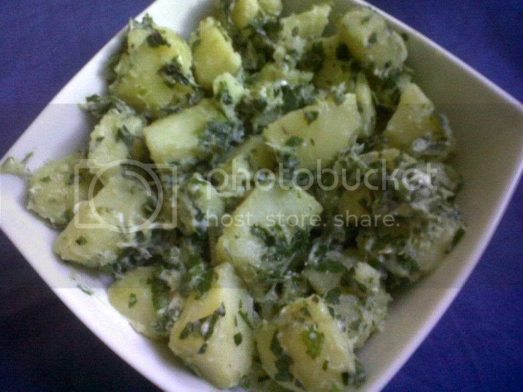 White Potato and Spinach Salad