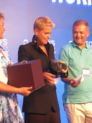 Rainha dos Baixinhos foi homenageada com almoço durante o evento (Foto: João Paulo de Castro / G1)