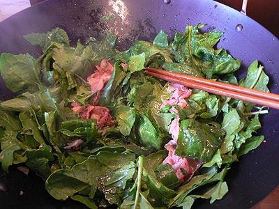 tombée d'épinard et roquette au wok.jpg