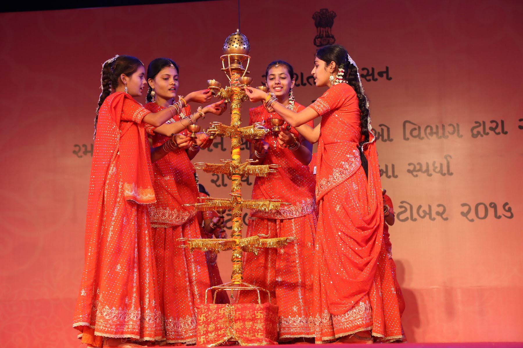 cultural-festivals/navratri-festival-Gujrat-2