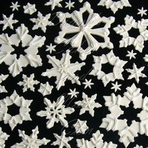 Edible Snowflakes Cake Decorations   Winter Wedding