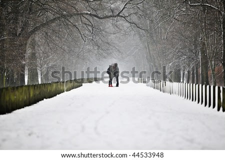 Two People Kissing In The Snow. +pictures+in+the+snow