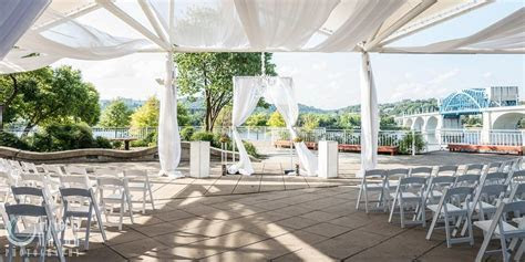 Tennessee Aquarium Weddings   Get Prices for Wedding