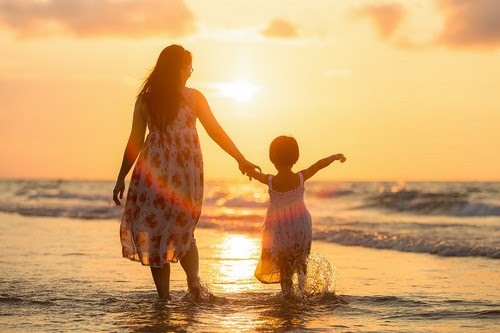 Risultati immagini per osho con una donna ed una figlia