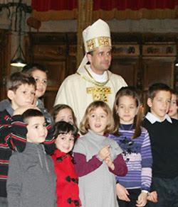 Descripcin: http://3.bp.blogspot.com/-hXhLc4wU9bE/Te4lyRJO-oI/AAAAAAAAAbk/irTOiJRqK0A/s400/obispo.jpg