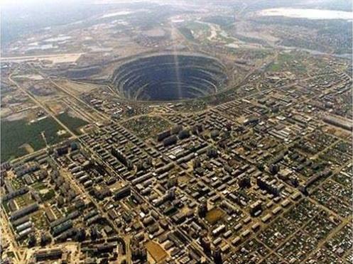 фото галирея самая большая аналная дыра в мире крупным планом