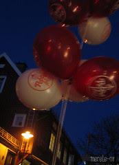 365 :: 25.01 ::  ballonger i vind