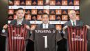 Indosport - Presiden Milan, Yonghong Li (tengah) bersama perwakilan Rossoneri Sport Investment Lux.