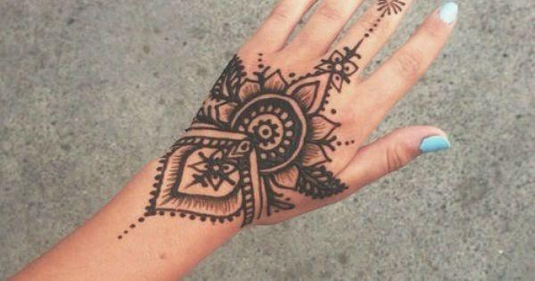 Henna Tattoo Beach: 40 Delicate Henna Tattoo Designs