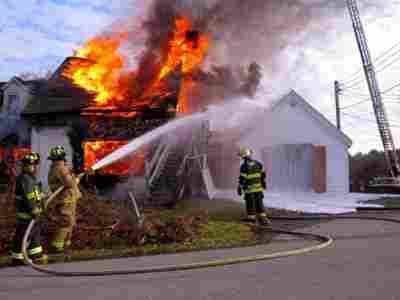 510+ Gambar Rumah Kebakaran Gratis