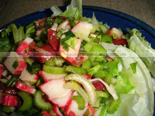 Salada de salsão e kani