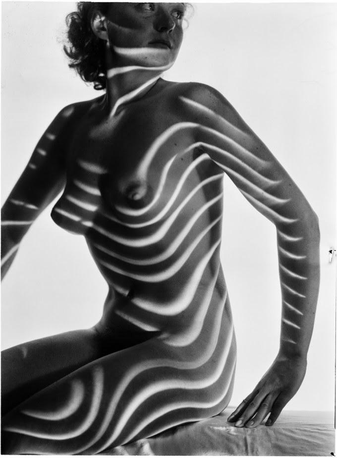 Heinrich Heidersberger. Kleid aus Licht. Vestido de luz-001